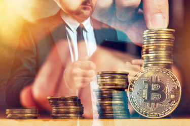 Cryptocurrencies that have opposite price fluctuations